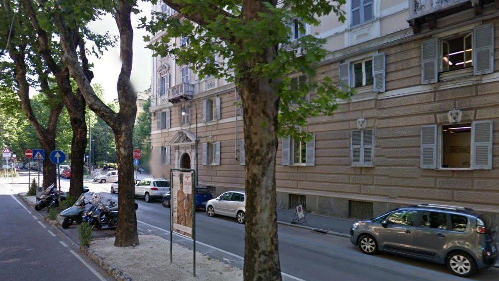Incidente corso torino scontro tra due auto genova for Corso arredatore d interni torino